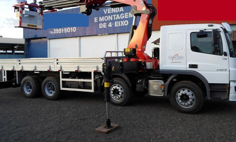 Segundo eixo direcional para caminhões - ARS GUINDASTES & CESTAS AÉREAS LTDA